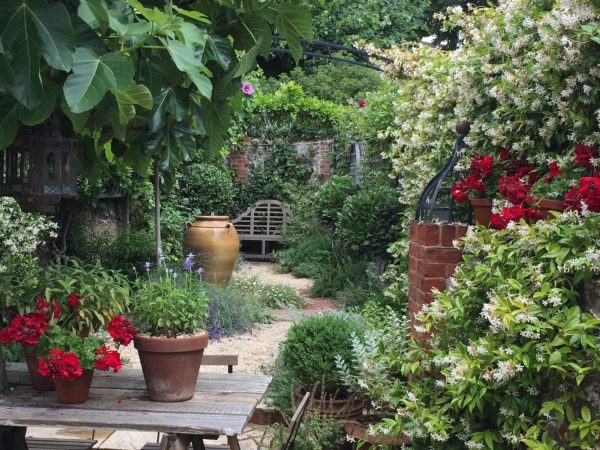 Design your own small garden with Juliet Sargeant